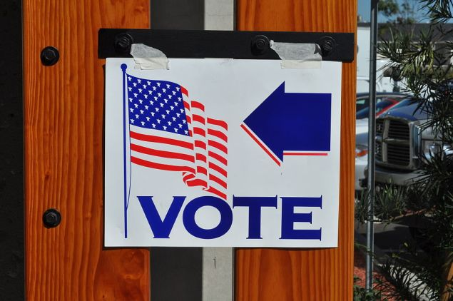 Voting sign in Orange County, California (CREDIT: Tom Arthur, Wikimedia Commons)