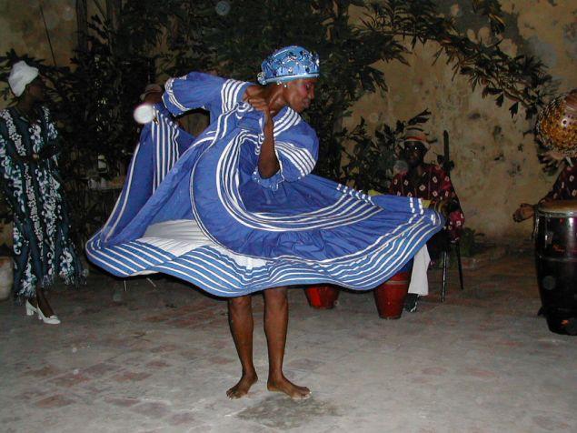 Afro-Cuban dancer (James Emery/Flickr)