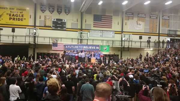 Bernie Sanders Rally Vancouver, WA March 20, 2016 (Adampdx85)