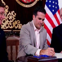Puerto Rico Governor Calls for 'Elimination' of Venezuelan Government, Offers to Host 'Transition' Logistics