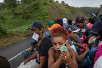 LGBTQ Caravan Migrants May Have to 'Prove' Their Gender or Sexual Identity at US Border
