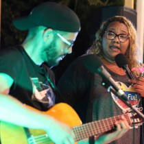 Street Singer Gives Voice to Venezuela's Growing Diaspora