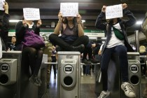 Subway Service in Chile's Capital Suspended as Protest Grows