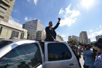 Venezuela Opposition Leader Enters Congress Amid Standoff