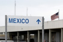 Mexican Man Kills Self on Border Bridge