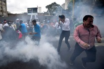 Venezuelan Riot Police Drive Off Protesters With Tear Gas