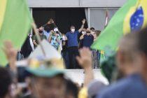 Praise and Push-Ups for Brazil's Embattled Bolsonaro