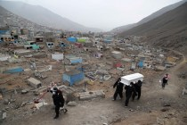 In Peru, Virus Erodes Centuries-Old Burial Traditions