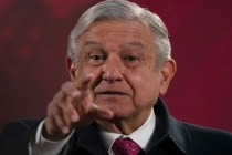 Mexico Leader Condemns Twitter, Facebook for Blocking Trump