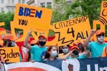 OPINIÓN: Es hora de que todos nuestros congresistas y senadores apoyen a los inmigrantes