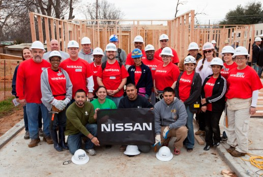 Iraq War veteran Brenda Lopez builds her home with help from Nis