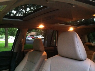 Panoramic sunroof on the Pilot Elite.