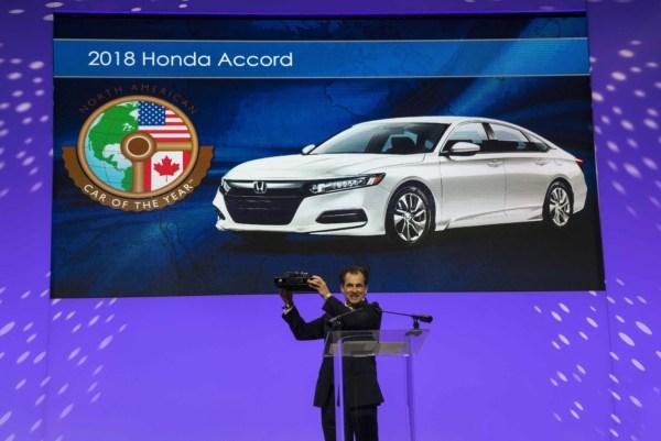 Henio Arcangeli Senior Vice President Of The Automobile Division American Honda Motor Co Accepts Award For 2018 North Car Year