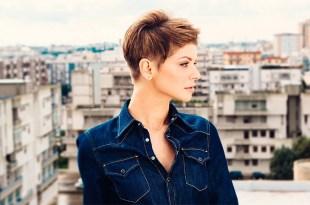 A cantora italiana Alessandra Amoroso, que agora está dando seus primeiros passos em espanhol