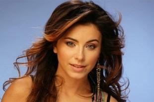 A cantora Ani Lorak, da Ucrânia, também tem um cover de música italiana em sua discografia