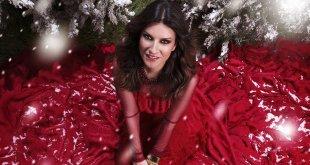 Laura Pausini está bombando com Laura XMas, seu CD de natal