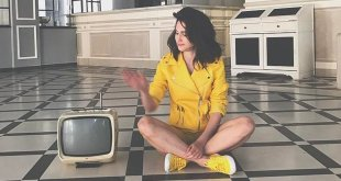 50 Shades of Colours é o novo single da Lodovica Comello