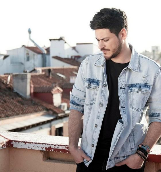 Com Principios, seu disco de estreia, Cepeda está quebrando recordes na música espanhola