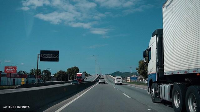 chegando em Florianópolis, tem muito caminhão?