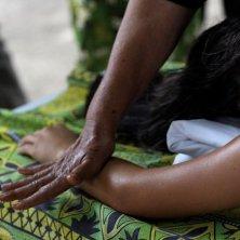 massaggio al monoi