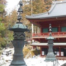 cortile con la neve Nikko