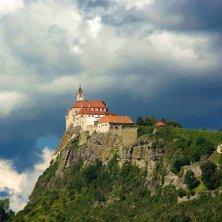 nubi sul castello della Stiria