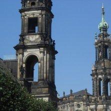 campanili e chiesa