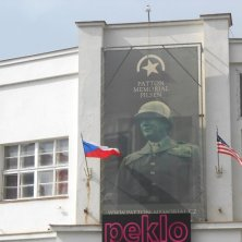 Patton Memorial a Pilsen
