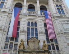 palazzo con le bandiere Pilsen