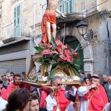 in processione a spalla