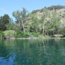 navigazione intorno isola Martana