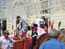 Arrivo delle Tarantolate per il pellegrinaggio alla Cappella di San Paolo
