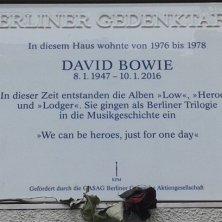 targa dedicata a Bowie
