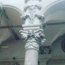 capitelli con apostoli in Santa Croce