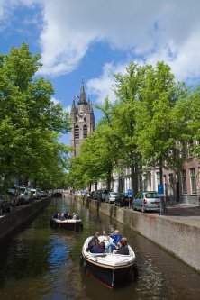tower of Delft's Oude Kerk