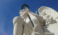 statue sull'arco