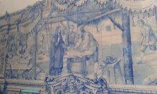 cappella con piastelle bianche e blu