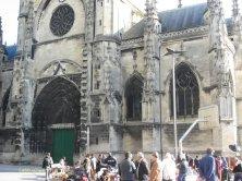 mercatino davanti Saint Michel