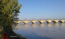 ponte di pietra sulla Garonna detto di Napoleone