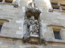 statua di Carlo VIII sulla porta
