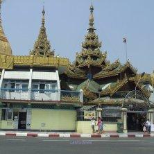 rotatoria con la Sule Pagoda