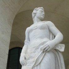 statua allegorica Palazzo Civiltà