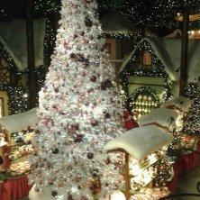 albero di Natale nel negozio a Rothenburg