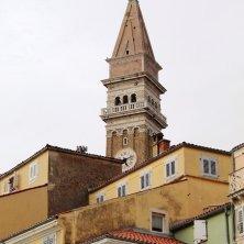 campanile con Madonnina