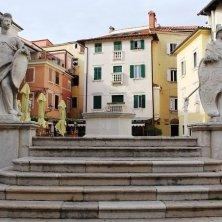 statue Pirano