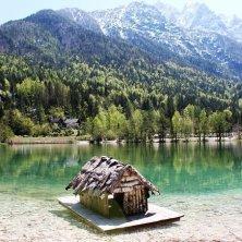 in riva al lago di Jasna