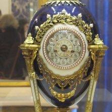 uovo imperiale con orologio Fabergé