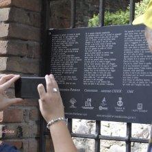 Arquà Petrarca_targa del Parco Letterario_EVallarin
