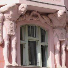 palazzo con gli atlanti art nouveau quartiere ebraico