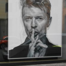 foto di Bowie davanti agli Hansa Studio cultura musicale